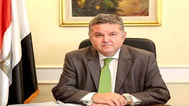 وزير قطاع الأعمال يؤكد مصانع جديدة للملابس القطنية بتكلفة 10 مليارات جنيه من أجل النهوض بصناعة الغزل والنسيج