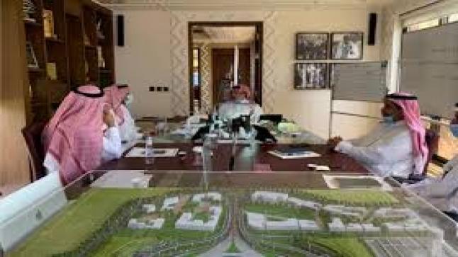 تركي بن طلال يتابع أعمال مشروعات كهرباء عسير