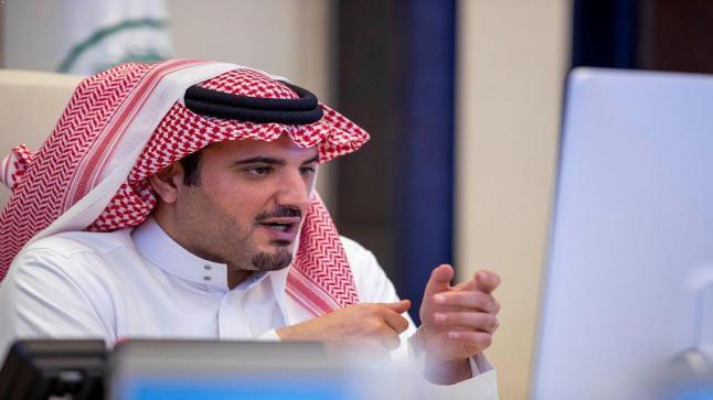 وزير الداخلية ورئيس لجنة الحج العليا يبحث مع قادة القطاعات الأمنية خطة الحج